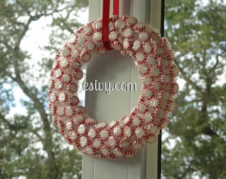 DIY Christmas decoration peppermint wreath