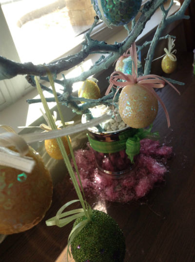 Easter tree close 400 x 536