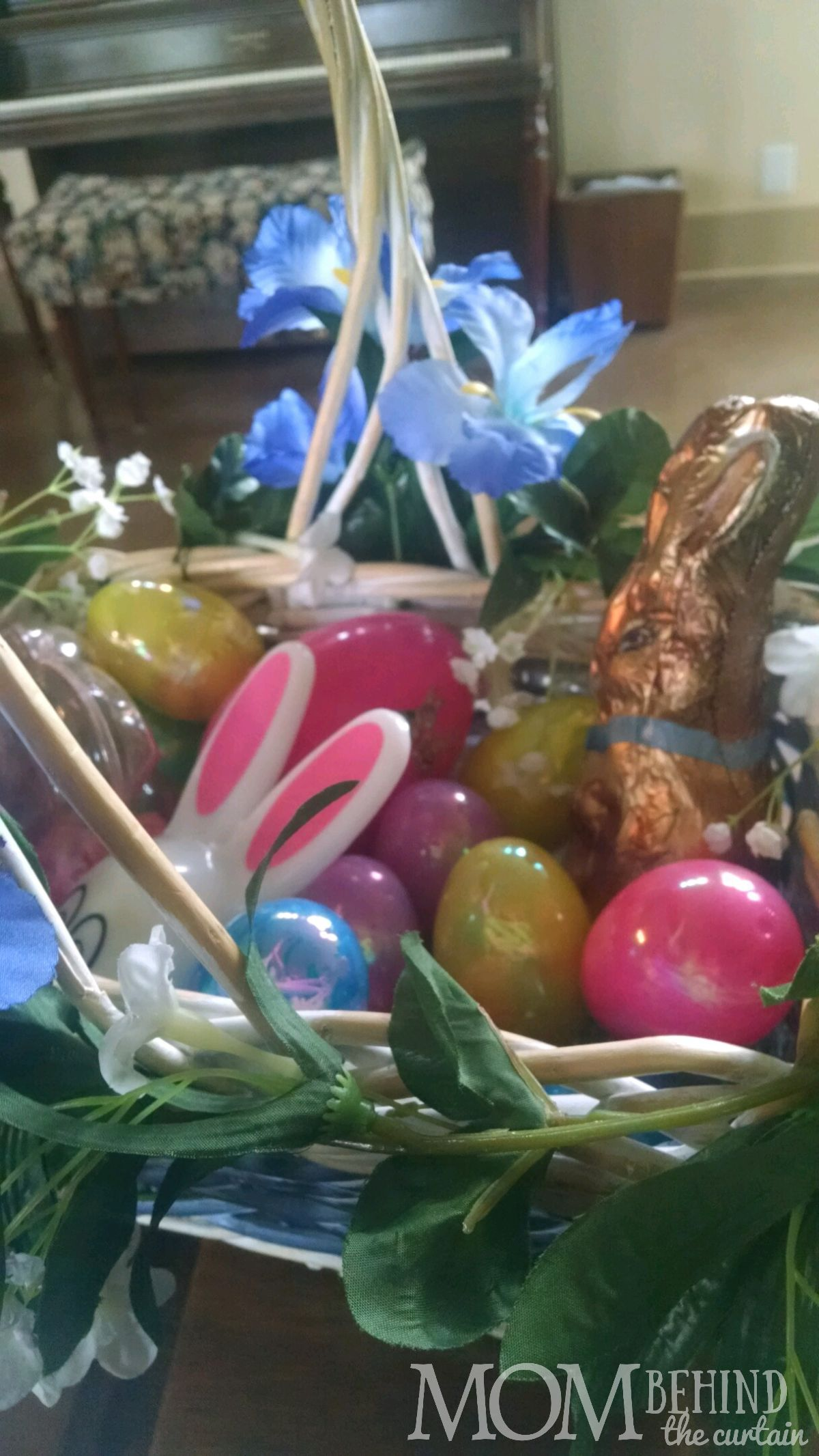 Text & Instagram scavenger hunt photo, Easter game ideas for teens and tweens - Easter basket
