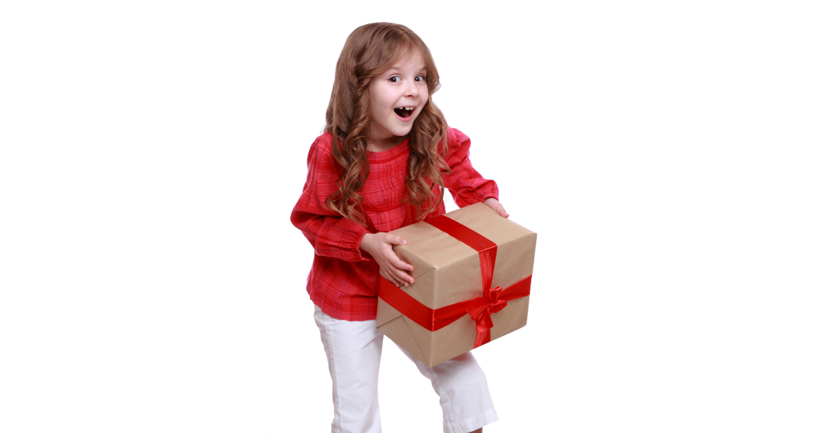 Gifts for kids - Are you looking for a non-toy gift idea for kids that will still be exciting? Sometimes it's hard to come up with a present idea that you don't think is just going to become more clutter! A single book might not sound exciting. But there is something about a boxed book set that promises more adventure! Check out this list of my kids' favorite book boxed sets. They're the best boxed book sets to give kids this Christmas!