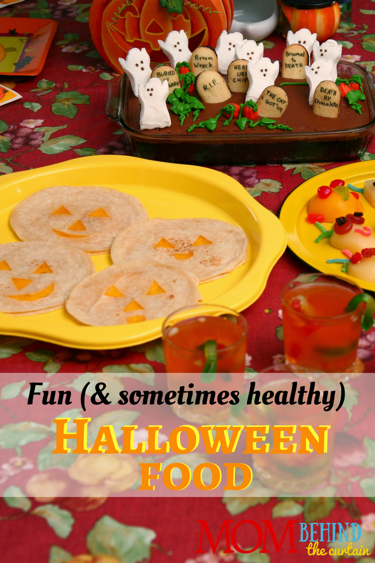 Halloween Party Food ideas for kids party that are easy. And sometimes healthy! Okay, is anything really healthy besides kale? These are at least healthier than the candy that's - let's face it - going to be consumed in massive quantities!