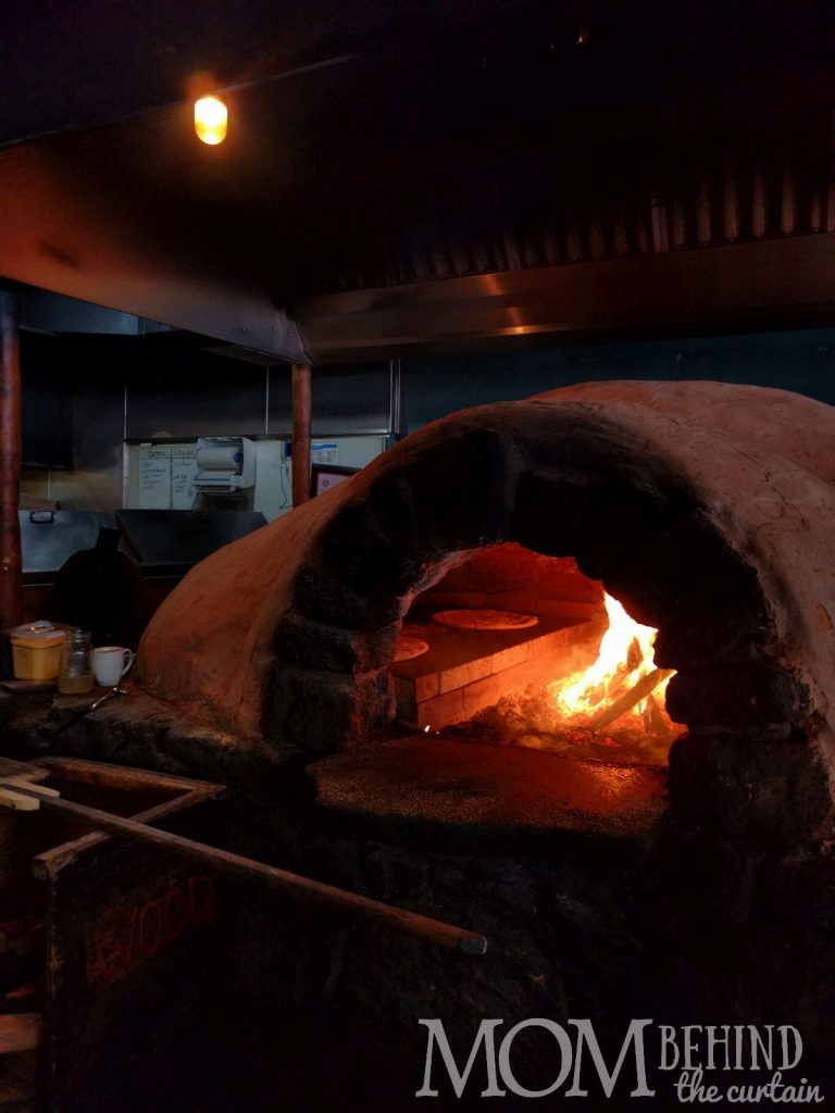 Road to Hana - Flat Bread Company in Puau, pizza in oven.