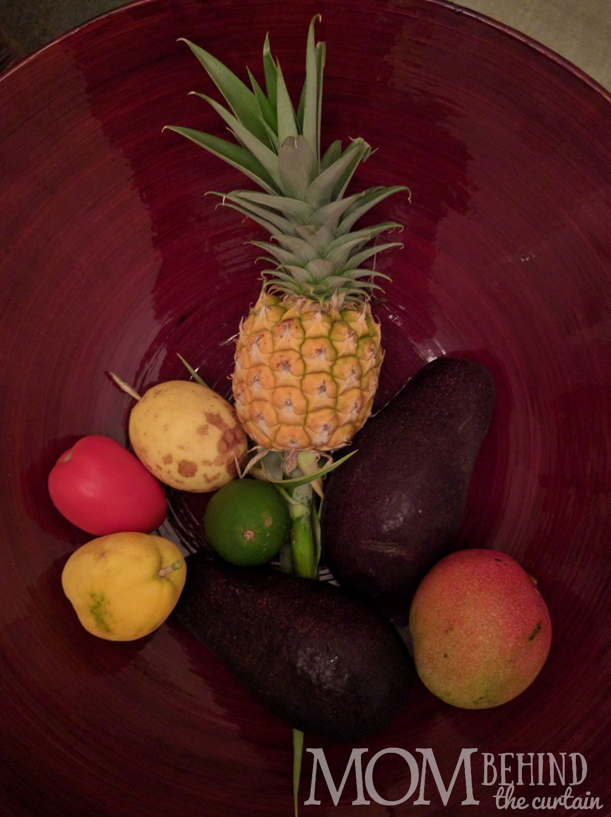 Road to Hana - fruit from fruit stands