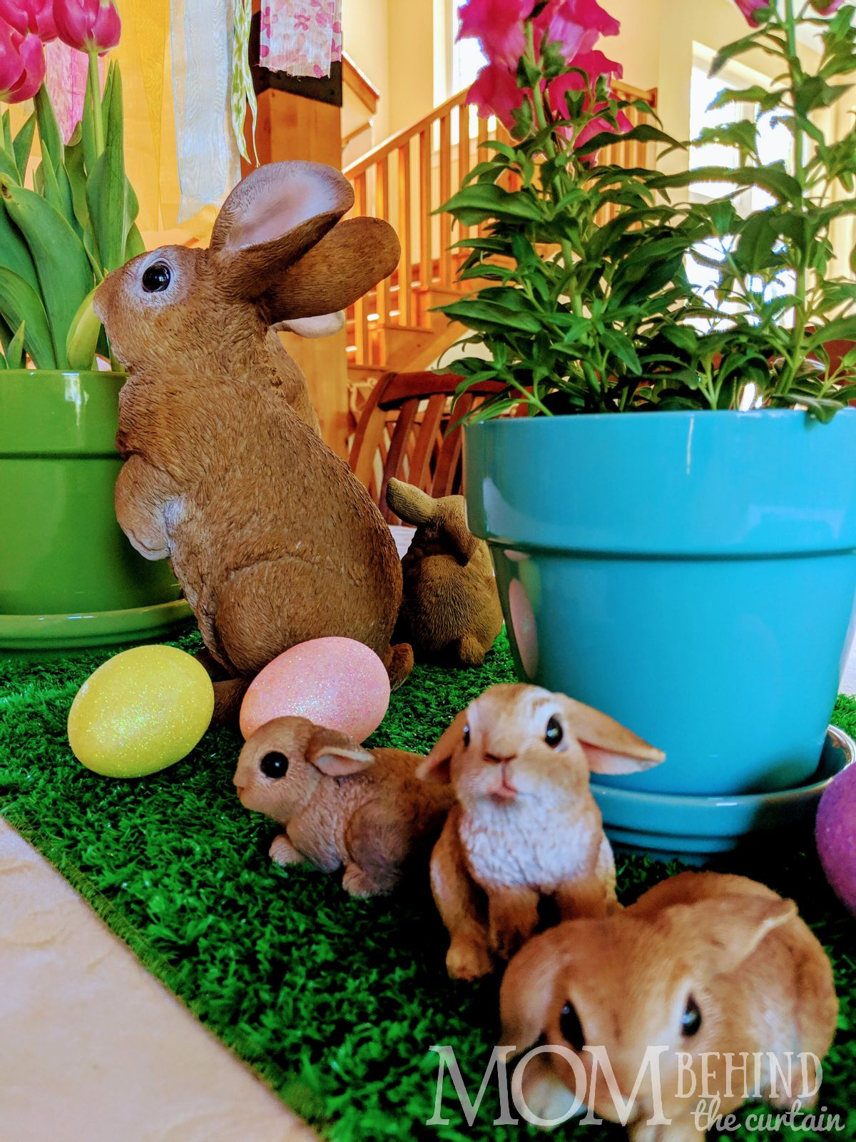 baby bunnies easter table decor